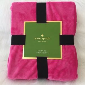 🆕♠️Kate Spade NY 💕Hot Pink Fleece Throw Blanket